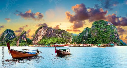 Aluminium Tropical strand Paisaje idílico de playas y costas de Tailandia.Islas y mar de Phuket. Viajes de aventura y ensueño