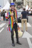 Gay-pride. Rouen 2018. Homme aux couleurs LGBT - 209834550