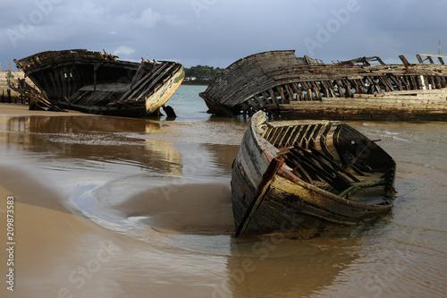 Aluminium Schipbreuk vieille épave de bateau échouée