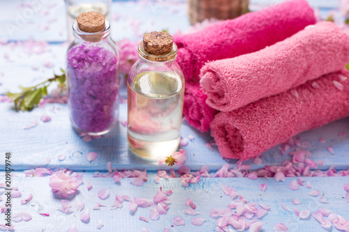 Leinwanddruck Bild Spa concept. Organic cosmetics.