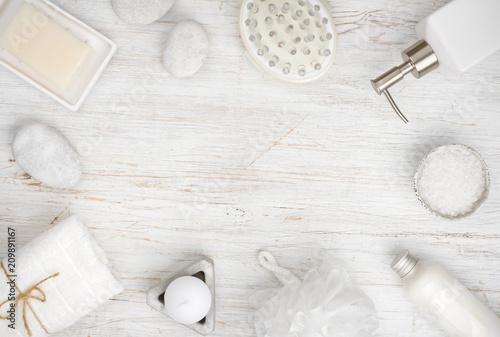 Artykuły spa i kosmetyki na drewno, kopia przestrzeń w centrum