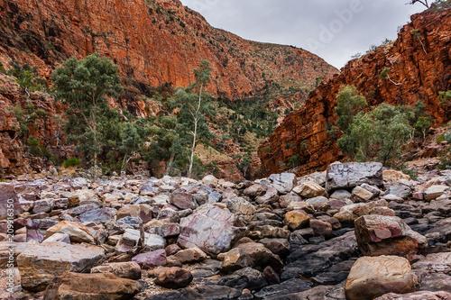 Aluminium Diepbruine Ormiston Gorge, West MacDonnell National Park, Australia