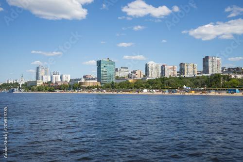 Foto Murales Volga river embankment in Samara, Russia. Panoramic view of the city.
