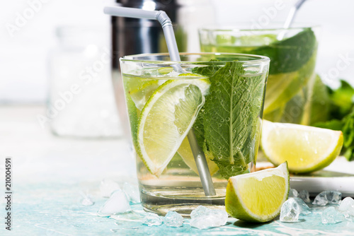 Leinwanddruck Bild fresh cold mojito cocktail