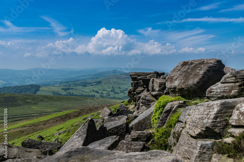 Foto Murales Blue skies over the hills