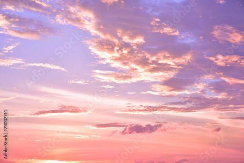 Fototapeta 幻想的な空の壁紙イメージ