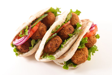 sandwich with vegetable and falafel