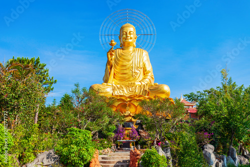 Fotobehang Boeddha Golden Buddha statue in Dalat