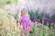 Leinwanddruck Bild - Kleines blondes Kindermädchen