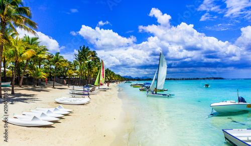 Plexiglas Freesurf Tropical holidays and water sport activities in Mauritius island