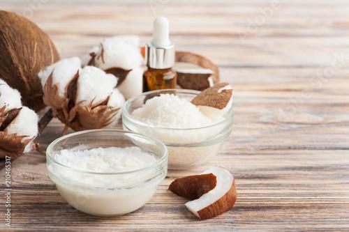 Naturalna kuracja włosów kokosowym