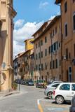Gasse im Zentrum von Pisa, Toskana, Italien