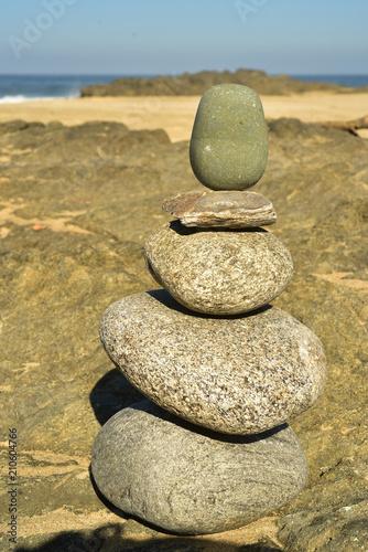 Fotobehang Zen Stenen Zen rock stack of balanced rocks on Pacfic beach, Baja, Mexico