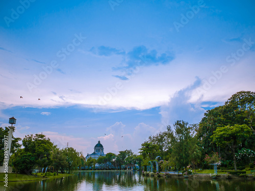Aluminium Lente Beautiful nature in the park and the palace