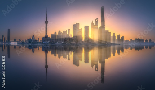 Plexiglas Shanghai Sunrise view of Shanghai skyline with sunshine