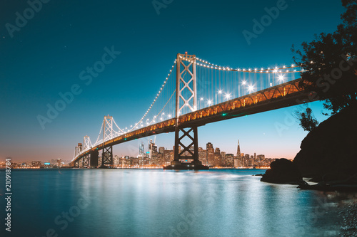 Zdjęcie XXL San Francisco skyline with Bay Bridge at twilight, California, USA