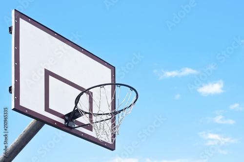 Fotobehang Basketbal Basketball net on sky background