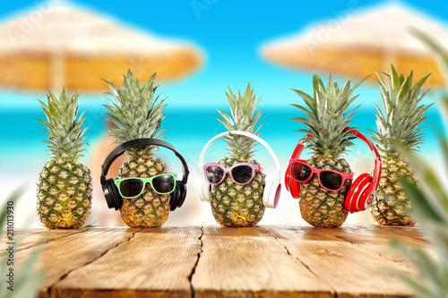 Leinwanddruck Bild Summer photo of fresh pineapple