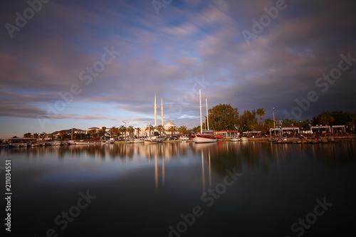 Fotobehang Lavendel A small seaside town Turgutreis
