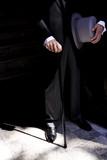 Dettaglio abito con bastone e cilindro - 211041577