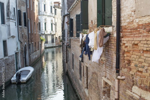 Fototapeta Typical Venice canal