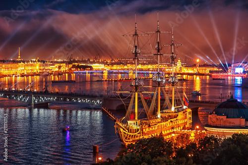 Leinwanddruck Bild  Scarlet Sails celebration in St Petersburg.