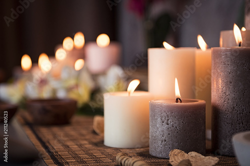 Spa setting with aromatic candles - 211240523