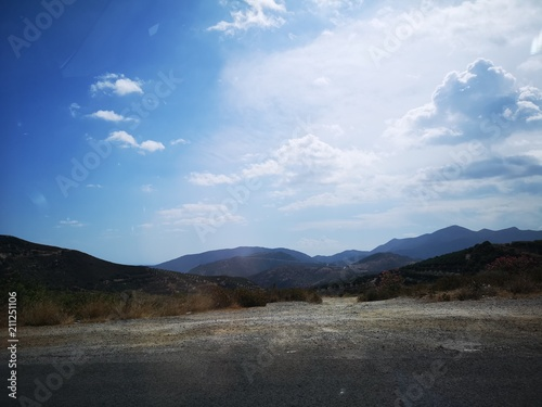 Aluminium Grijze traf. Dry mountain panorama