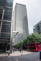 london bus in canary warf