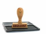 Holzstempel auf Stempelkissen mit Aufschrift abgelehnt - 211358582