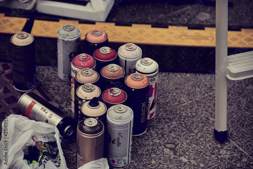 Spray paint for street art - 211410593