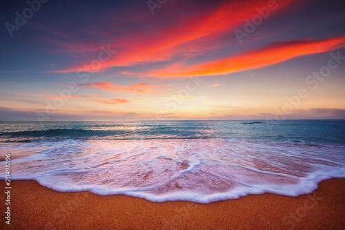 Plexiglas Zonsopgang Beautiful sunrise over the sea