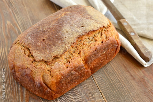 Chleb żytni z domowego chleba