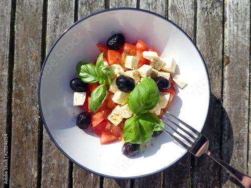 Plexiglas Boord Tomaten Schafskäse Salat