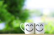ペアの白いマグカップ - 211570751