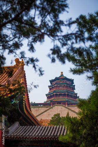 Fototapeta Famous Summer Palace of the Emperor of China temple in trees, 2013, Beijing, China