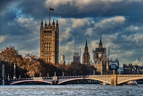 Aluminium London view of the Parliament of England from the river Thames