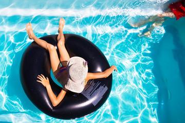 détente sur la piscine © catalyseur7
