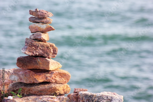 Aluminium Zen Stenen Stone sort at the sea or beach.Successful concept ,have a good support, zen stone.