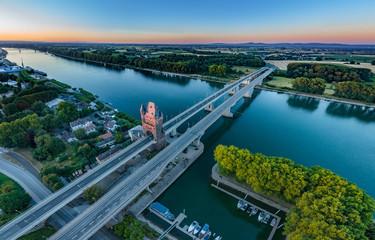 Luftbild Rheinbrücke Worms am Abend