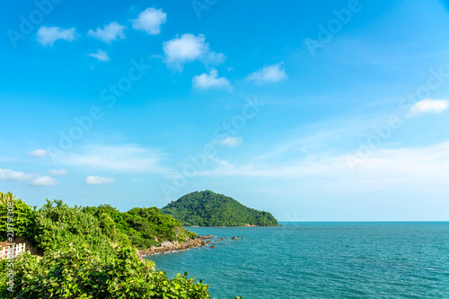 Fotobehang Tropical strand Beautiful Tropical Beach blue ocean backgrouind Summer view Sunshine at Sand and Sea Asia Beach Thailand Destinations