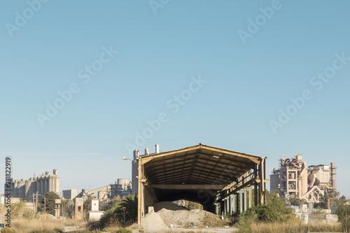 Fotobehang Oude verlaten gebouwen industrial sagunto, abandoned ship