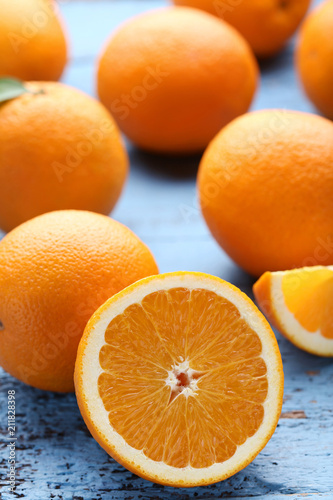 Aluminium Natuur Orange fruit on blue wooden table