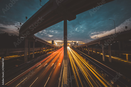 Canvas Nacht snelweg Traffic at Dawn in Kuala Lumpur