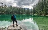 Grüner See Steiermark Wandern Wanderer Mann Ausflugsparadies Natur Idylle - 211881573