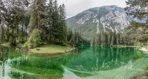 Fotobehang Olijf Grüner See Steiermark Hochschwabgebiet Naturjuwel Idylle Bergsee Österreich Natur Wasser Ausflug