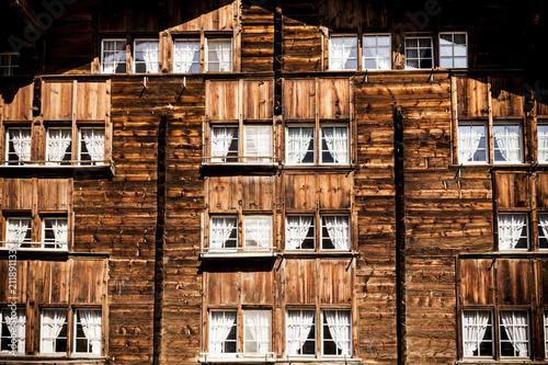 Foto Murales Haus in den Alpen