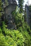 Topór. Formacja skalna w Skalnych miastach w Teplicach w Czechach