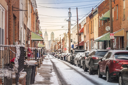 Fotobehang Smalle straatjes Street of Philadelphia with Snow
