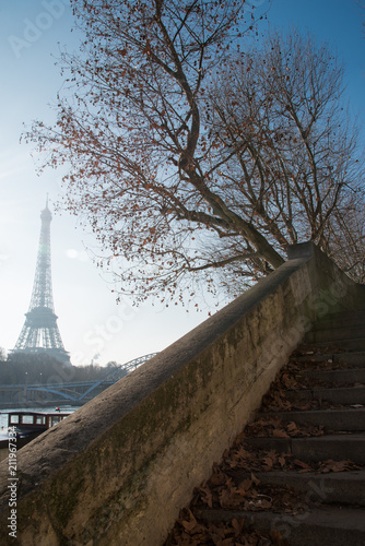 Eiffel tower - 211967334